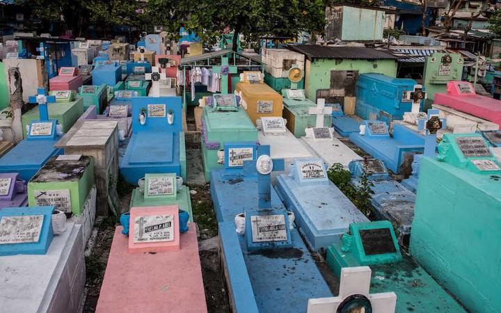 Inside the Philippines' Cemetery Slum