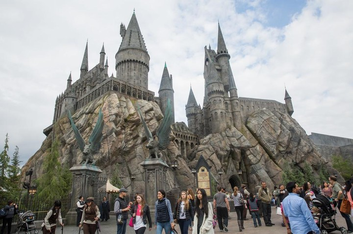 Here's What a $500 Million Harry Potter Theme Park Looks Like - VICE