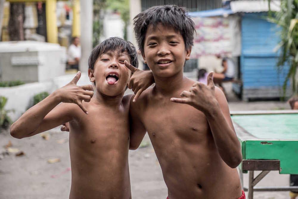 barely-legal-filipino-naked-boy